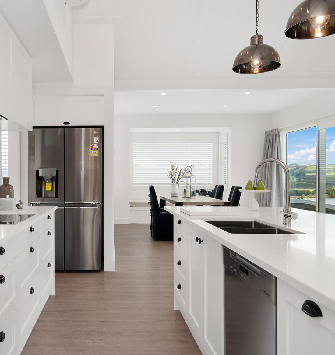 Taupo house builders harrier lane kitchen dining