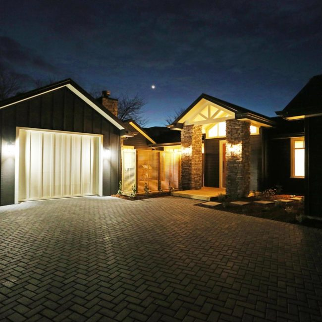bayline construction taupo hill new home entrance evening lighting